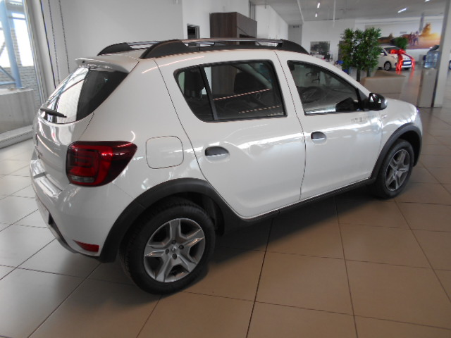 RENAULT 900T STEPWAY EXPRESSION Roodepoort 7322604