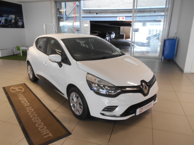 RENAULT IV 900T AUTHENTIQUE 5DR (66KW) Roodepoort 0324228