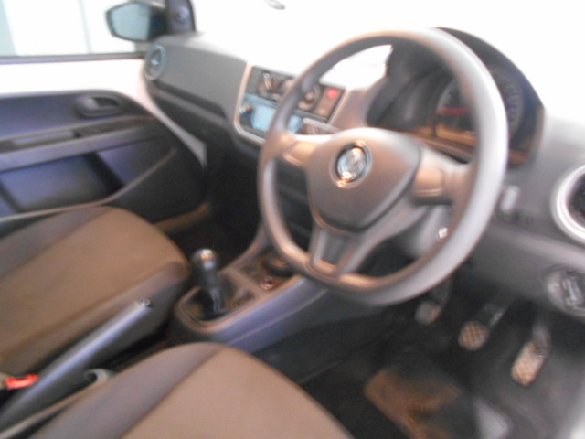 RENAULT IV 900T AUTHENTIQUE 5DR (66KW) Roodepoort 3324228