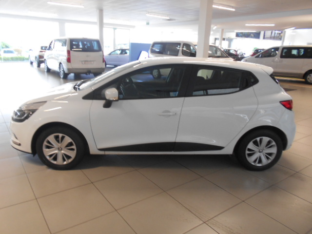 RENAULT IV 900T AUTHENTIQUE 5DR (66KW) Roodepoort 5324228