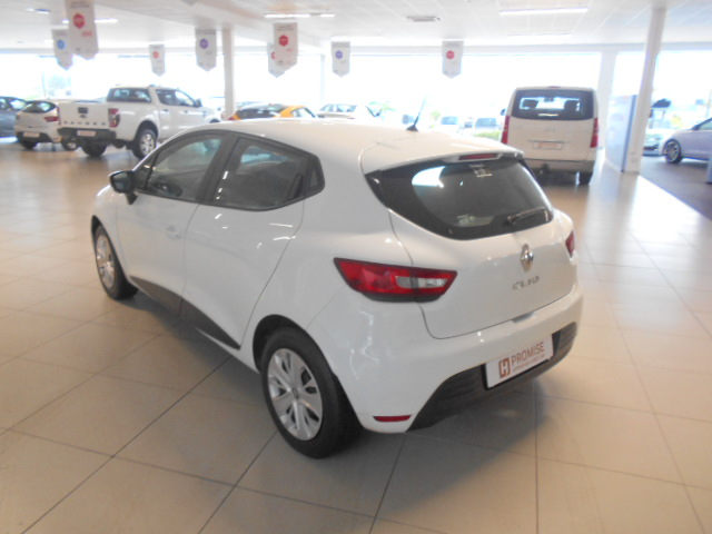 RENAULT IV 900T AUTHENTIQUE 5DR (66KW) Roodepoort 6324228