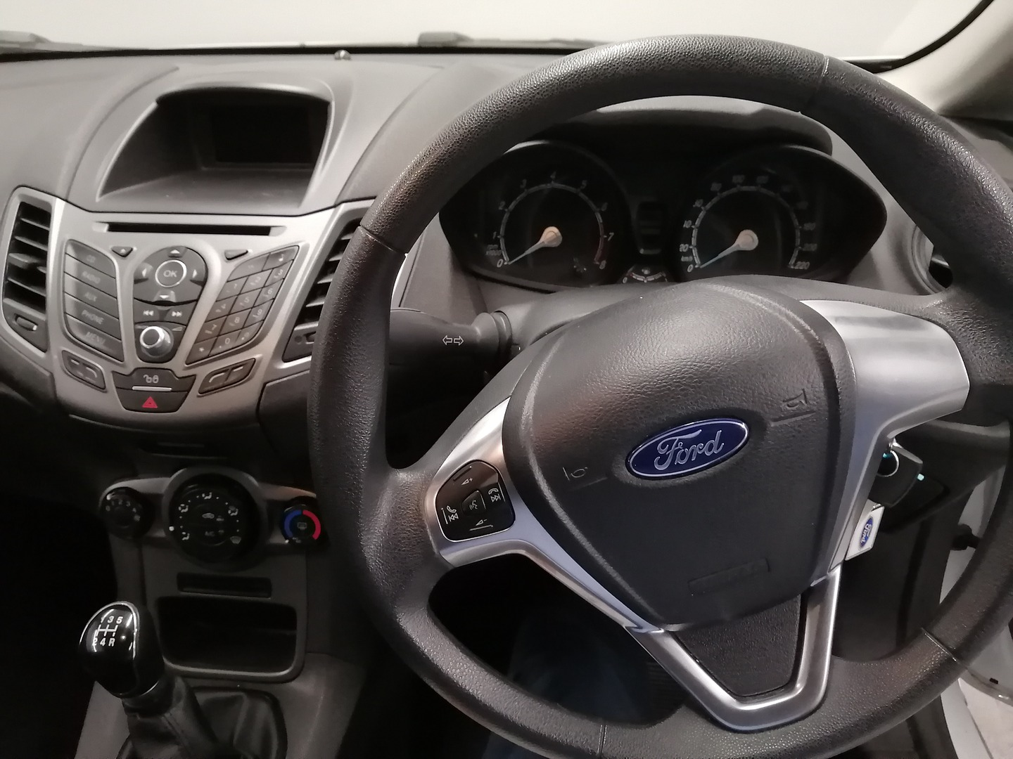 FORD 1.4 AMBIENTE 5 Dr Cape Town 8326507