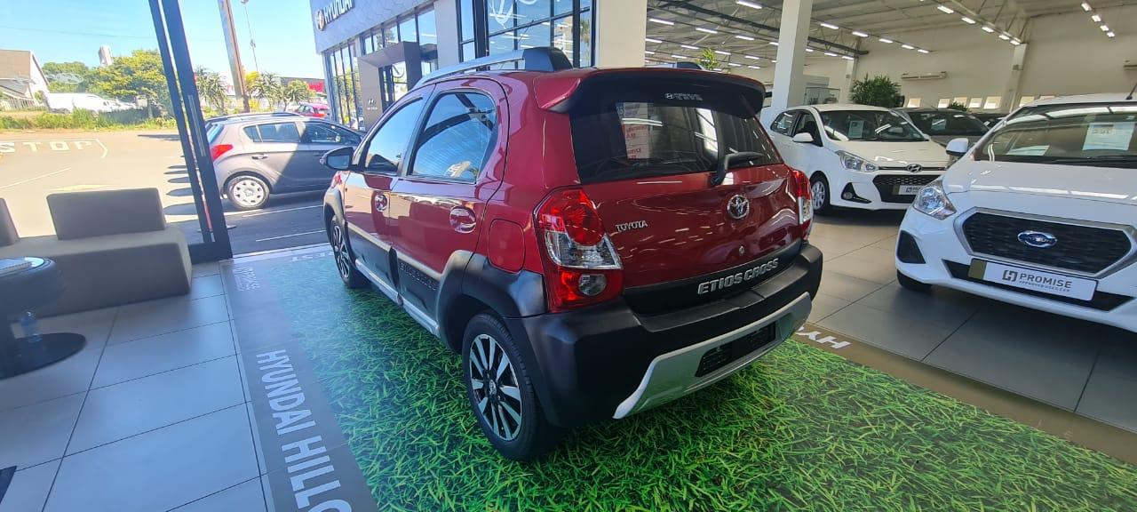 TOYOTA CROSS 1.5 Xs 5Dr Durban 5322264