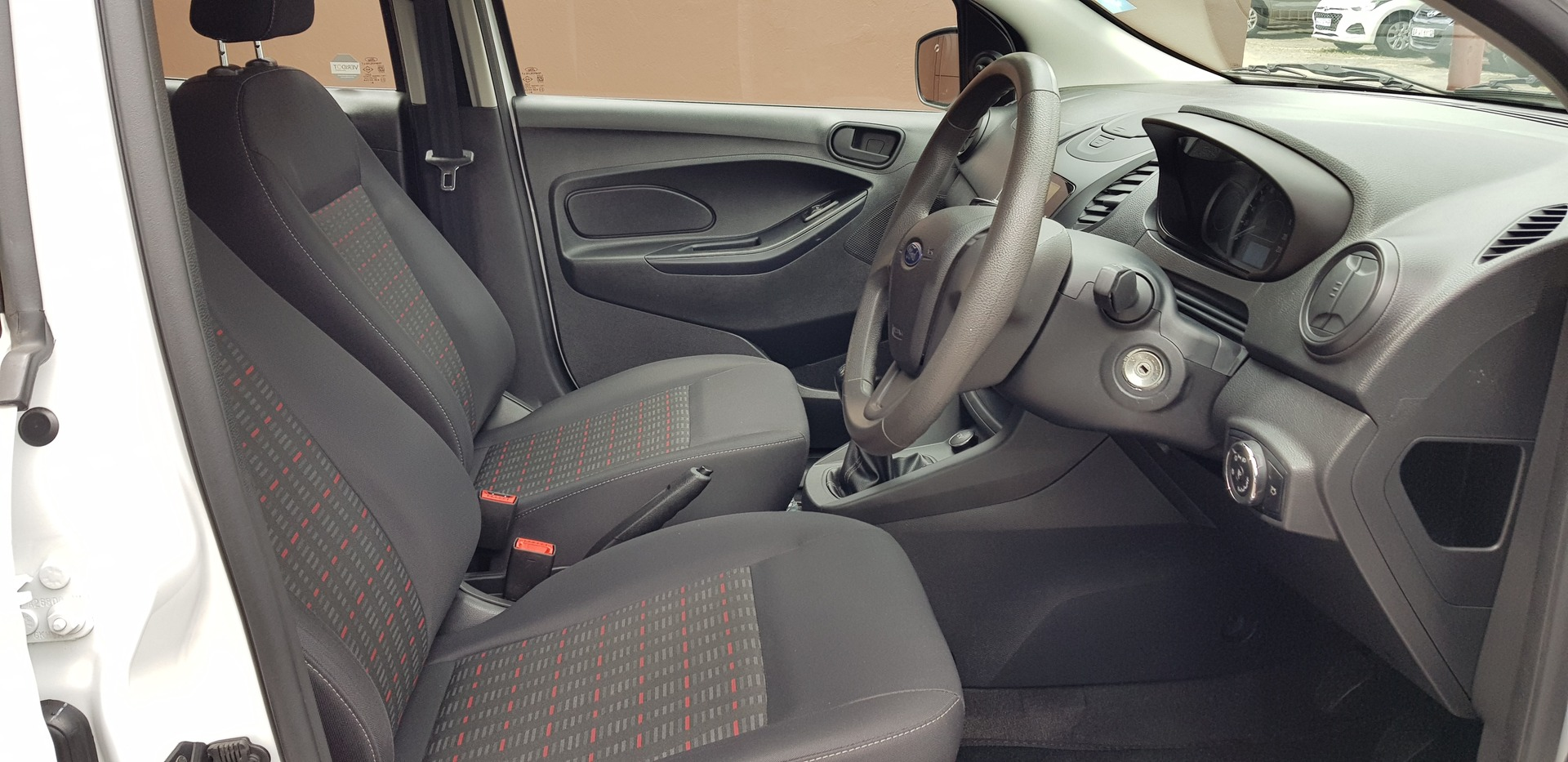 FORD 1.5Ti VCT AMBIENTE (5DR) Johannesburg 8332460