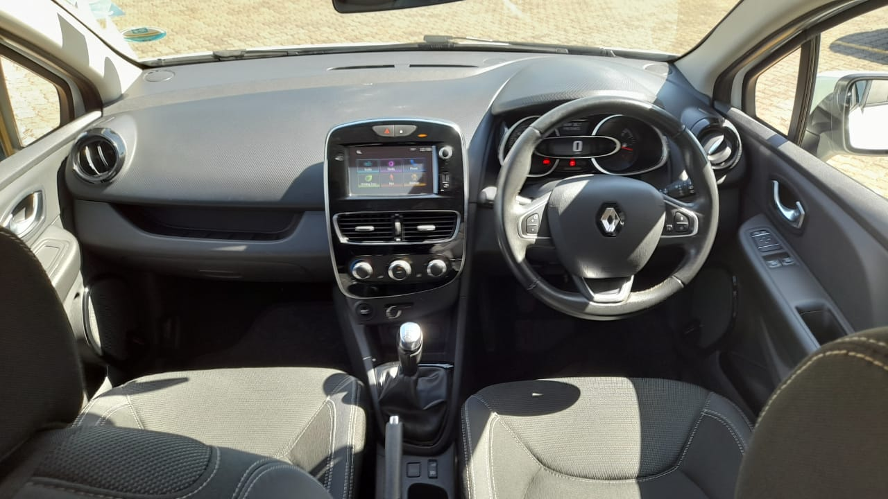 RENAULT IV 900T AUTHENTIQUE 5DR (66KW) Northcliff 6335897